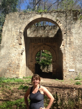 Old Moorish arch on the foot path down from Alhamabra